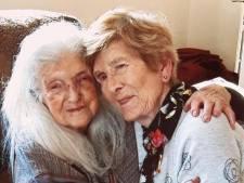 Une octogénaire retrouve sa mère biologique après 60 ans de recherches