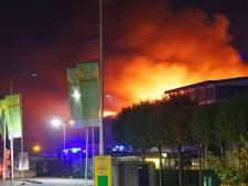 Gemist? Dubbele brand verwoest loods afvalbedrijf, bijzondere wending rond 'kruipruimtemoord'