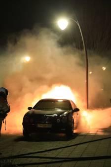 Vliegtuigjes van Defensie tegen autobranden Utrecht