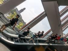 Urban Trail Run Zwolle: trap op, trap af in de hitte. 'Je hoeft binnen niet de hele tijd te rennen, hè?'