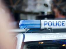 """Des policiers français tuent un """"déséquilibré"""" qui les menaçait avec une scie"""