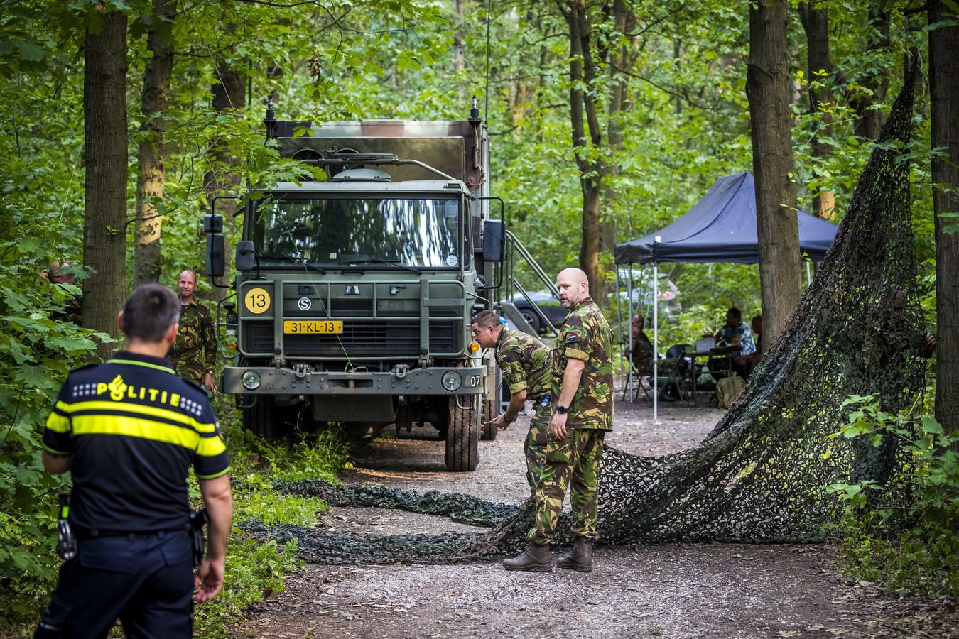 Een deel van de Brunssummerheide is vandaag afgesloten vanwege een schouw in de zaak die draait om de dood van Nicky Verstappen.