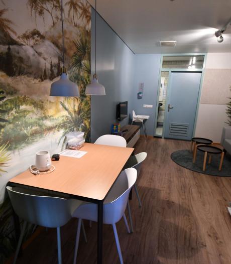 Bajes voelt even als thuis in de familiekamer van de gevangenis in Zutphen