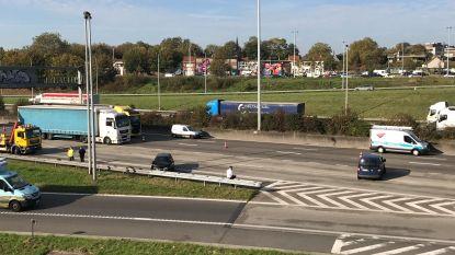 Veel hinder op Antwerpse Ring richting Nederland door ongeval in Borgerhout