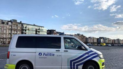 Behulpzame burger leent politie zijn fiets om vluchtende 'patser' te vatten