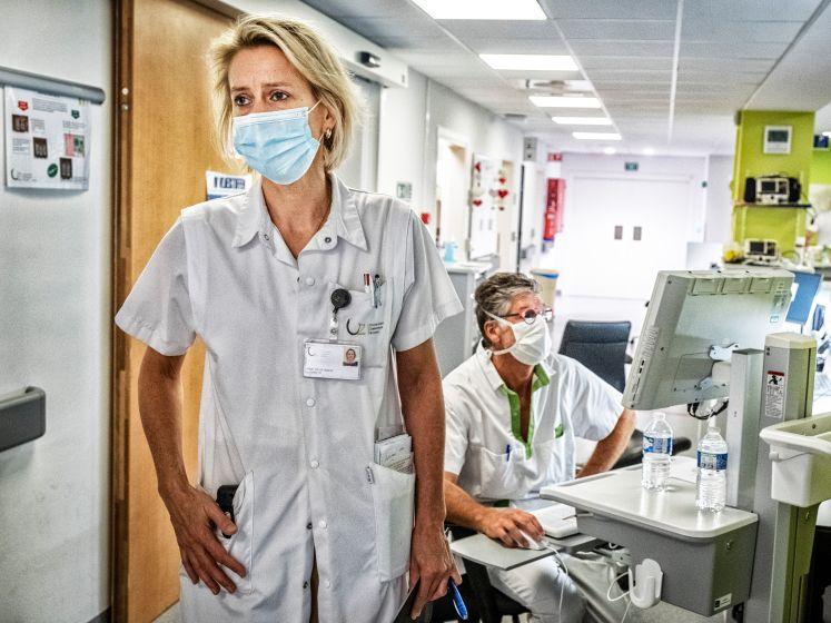 """""""Elk gezinslid één knuffelcontact? Dat gaat levens kosten"""": hoofd intensieve zorg UZ Brussel ziet pijnlijk gemiste kans"""