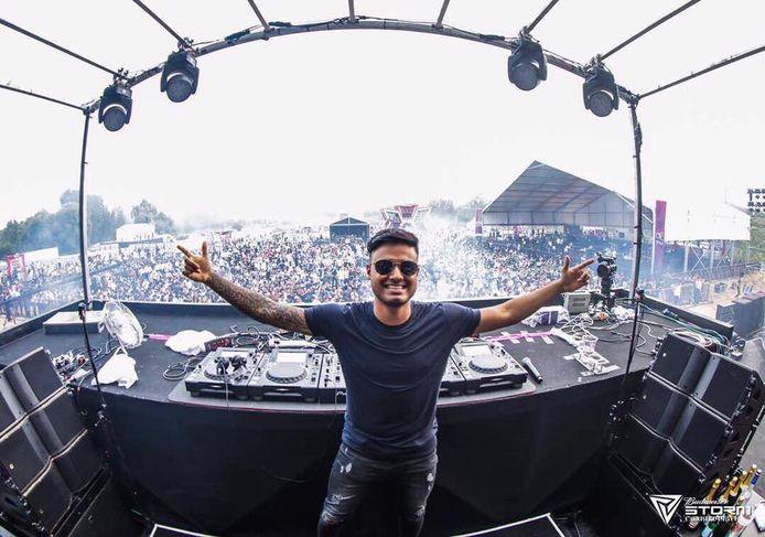 Dj Sandro Silva draait op grote festivals, zoals hier op het Storm Music Festival in China. De Zoetermeerder maakt kans op een plek in de prestigieuze DJ Mag top 100.