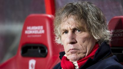 """VIDEO: Twente-coach maakt fiere leider PSV met de grond gelijk: """"Dit is schijtbakkenvoetbal, het is niet om aan te gluren"""""""