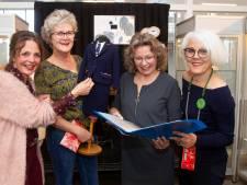 Ontwerpwedstrijd voor nieuwe kleding medewerkers Blauwe Kei: drie winnaars