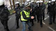 """450 administratieve aanhoudingen in Brussel, 10 gerechtelijke: """"Een van hen dreigde met wapen en beschadigde politieauto"""""""