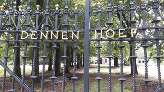 Villa Dennenhoef haalde het landelijk nieuws in 1994, toen topcrimineel Antonio Brizzi er werd vermoord