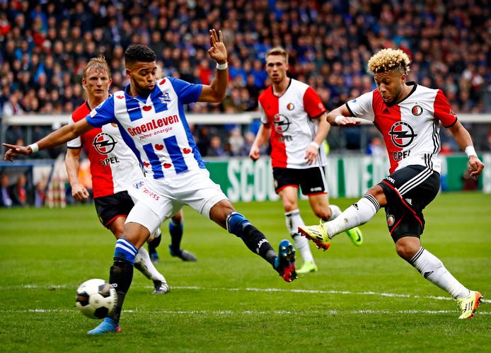 Jeremiah st. Juste in actie tegen Feyenoord.