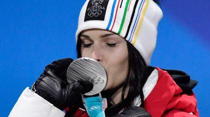 Oostenrijkse skiester shockeert met walgelijke foto van geopereerde knie