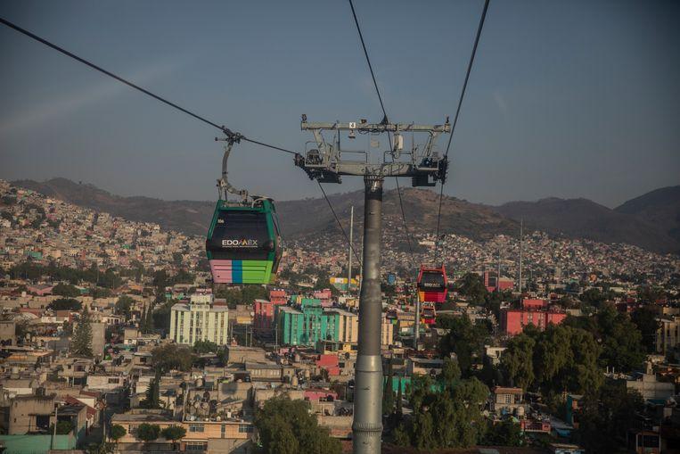De Mexicable, een gesubsidieerde gondellift die de inwoners van Ecatepec sneller en goedkoper verbindt met het centrum. Beeld Cegarra