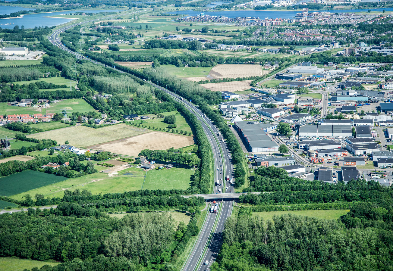 De snelweg A73 gezien vanaf Cuijk.