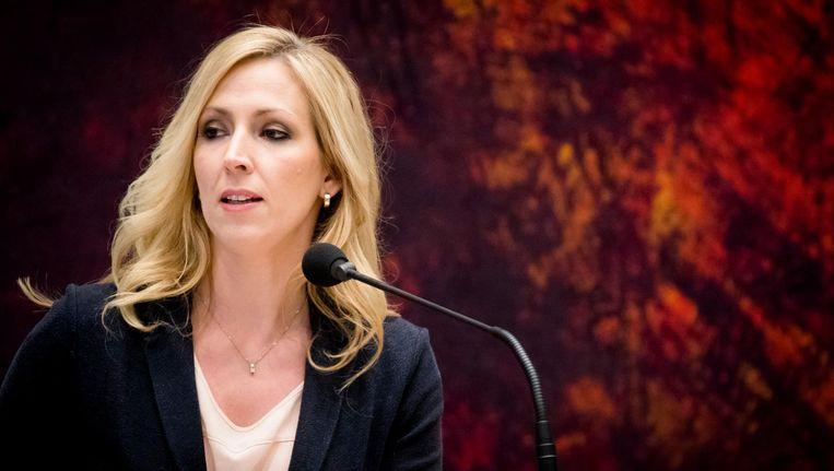 Lilian Marijnissen (SP) tijdens het Tweede Kamerdebat over het bericht dat tien procent van de Nederlanders zorg om financiele redenen mijdt. Beeld null