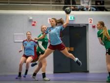 Handbalsters DFS Arnhem op schot tegen Bentelo 2