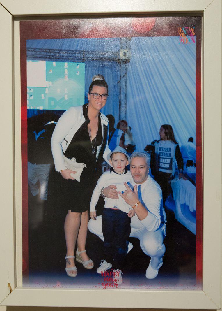 Kleine Vincent met zijn mama en zijn overleden papa.