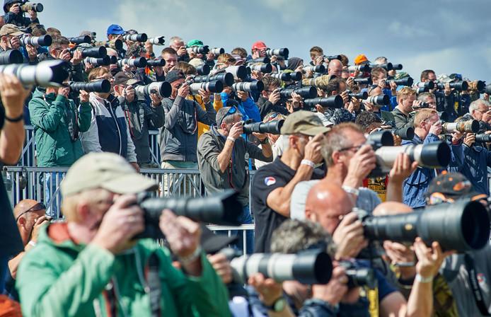 Spottersdag op vliegbasis Volkel op de dag voor de Luchtmachtdagen. Fotograaf: Van Assendelft/Jeroen Appels