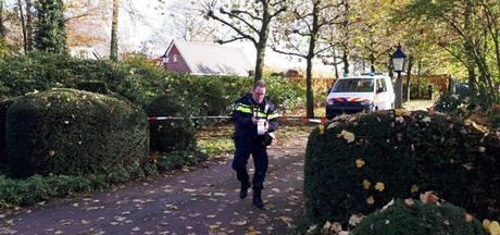 Vermiste vrouw in nachtkleding na vondst naar ziekenhuis gebracht