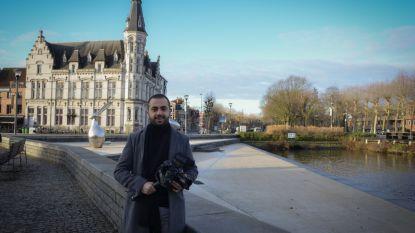 """Tarik (31) brengt Lokerse troeven in beeld met film: """"Documentaire die over 50 jaar toont, hoe het leven in onze stad was"""""""
