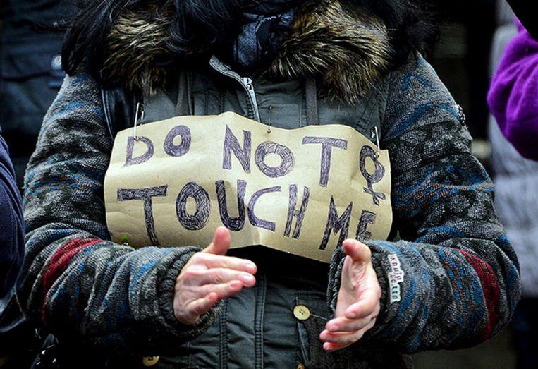 Vrouwen demonstreren zaterdag in Keulen. Beeld getty