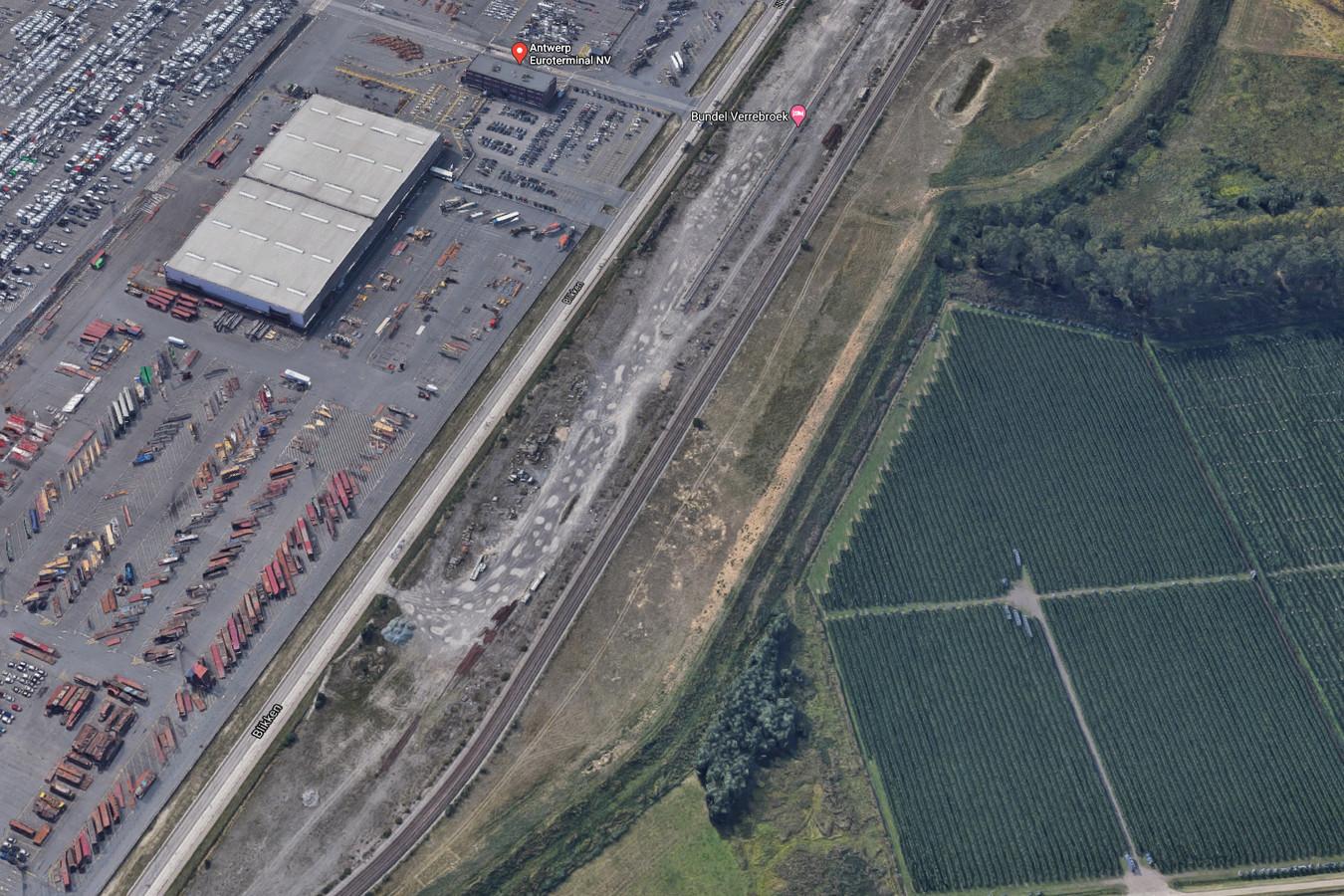 Het Vlaams gewest is akkoord om een alternatieve locatie te zoeken voor het geplande rangeerstation voor goederentreinen aan de Blikken in Verrebroek.
