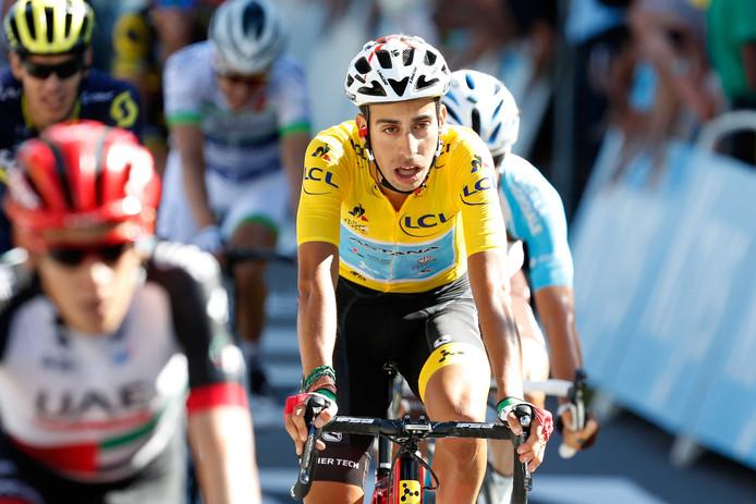 Fabio Aru komt over de finish tijdens de veertiende etappe van de Tour de France tussen Blagnac en Rodez.
