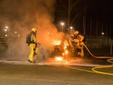 Gemist? Auto's vernield in Deventer en Zwolle. En: bom legt mogelijk verkeer op A1 stil