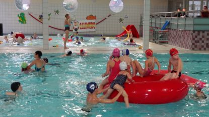 Badmuts niet meer verplicht in Sint-Annazwembad