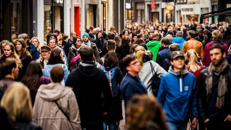 Opvallend vindt het onderzoeksbureau ook dat Surinaamse Nederlanders zich ook minder thuis zijn gaan voelen. Beeld anp