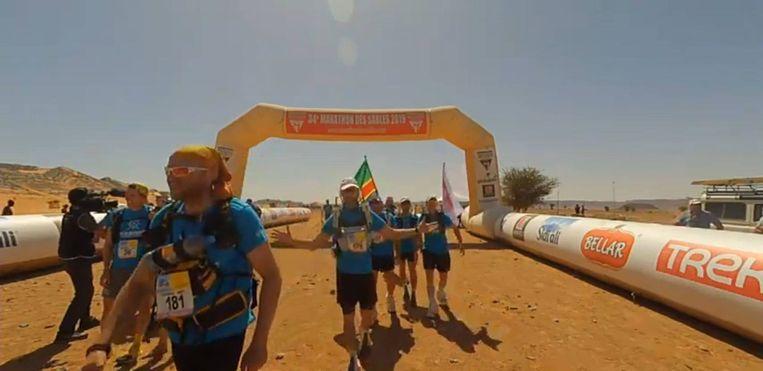 Chris, met rugnummer 181,  bij de aankomst van een van de etappes.