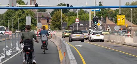 Maatregelen om fietsers op Waalbrug te beschermen nog niet voldoende