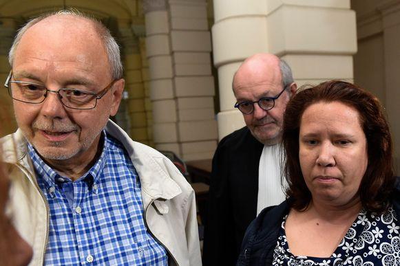 Van Eyken en zijn vrouw op hun proces.