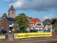 Organisatoren Sallands Bakfeest riskeren boete na ophangen gigantisch spandoek om boeren te steunen