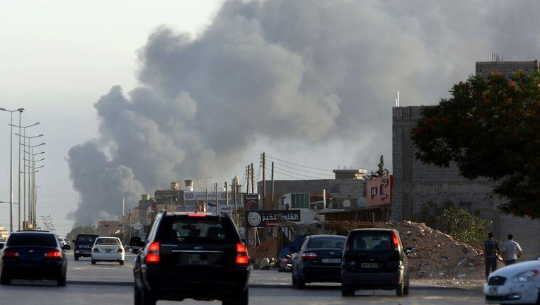 Rookgeur Uit Leren Bank.Iedereen Weg Uit Libie Waarom Is Het Daar Nu Zo Gevaarlijk De