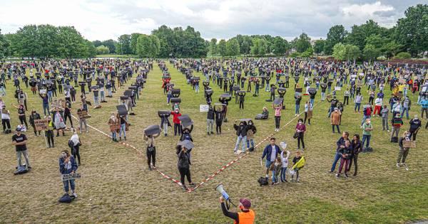 Politie Sprak Zaterdag Al Met Harde Kern Pec Zwolle En Sc Cambuur Kom Niet Naar Betoging Zwolle Destentor Nl