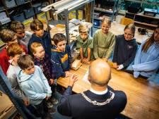 Leerlingen Pieter Brueghelschool Arnhem hebben goede coronatips voor Mark Rutte
