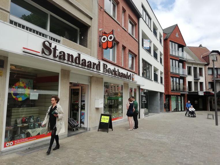 Met de sluiting van de boekhandel staan op het Isabellaplein nu vijf handelspanden leeg.