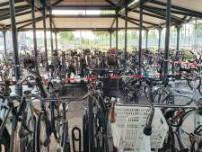 Brand in fietsenstallingen stations Brandevoort en 't Hout in Helmond, ProRail doet aangifte
