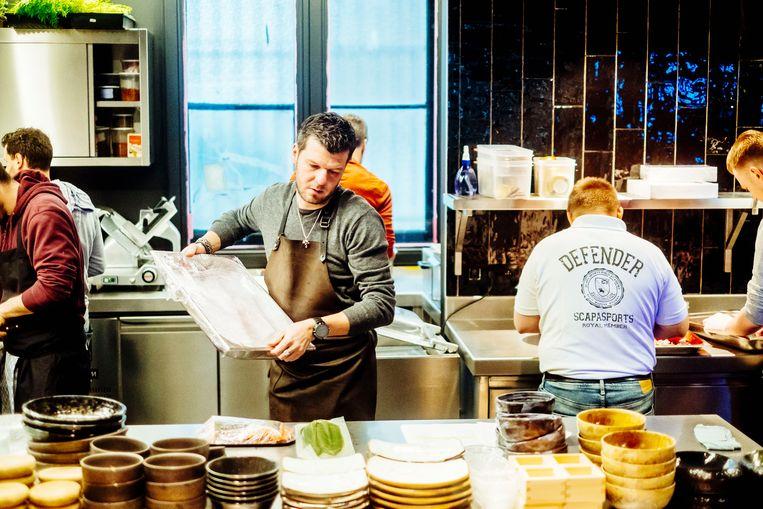 De Mangeleer in de keuken van L.E.S.S. Voortaan zal hij er nog maar één of twee keer per week langskomen.