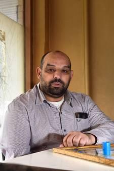 Theehuiseigenaar Rachid Tighadouini: 'Zo'n spijt van mijn idealisme'