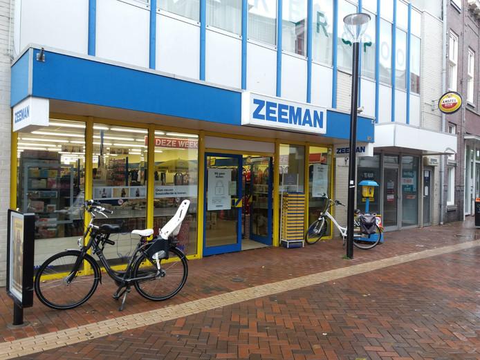 De vestiging van Zeeman in de Grotestraat in Almelo