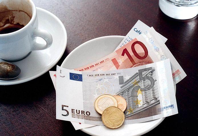 Ook in de horeca wordt sinds dit jaar meer gepind dan contant betaald.