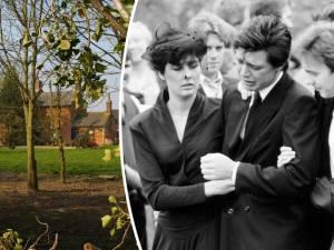 Trop inconsolable à l'enterrement, il trahit qu'il a tué toute sa famille