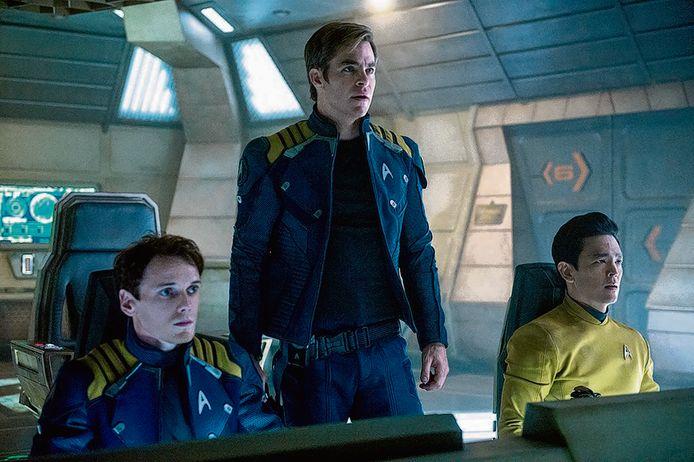 Van links naar rechts: Anton Yelchin, Chris Pine en John Cho.