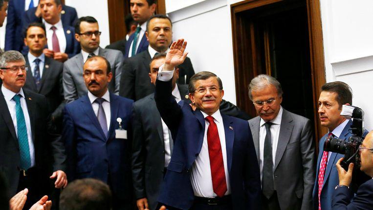 Premier Davutoglu in het Turkse parlement, vorige week. Beeld reuters