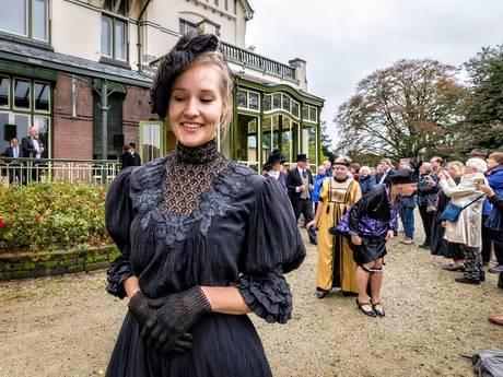 Steenwijk showt de mode uit 1850