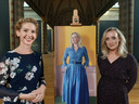 De Rotterdamse kunstenaar Rosa Boomsma heeft zaterdagavond de eerste aflevering van het nieuwe seizoen televisieprogramma Sterren op het doek gewonnen met dit klassieke portret van Eva Jinek.