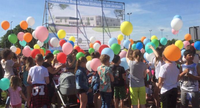 Alle 244 kinderen van basisschool Inghelosenberghe waren aanwezig bij de start.